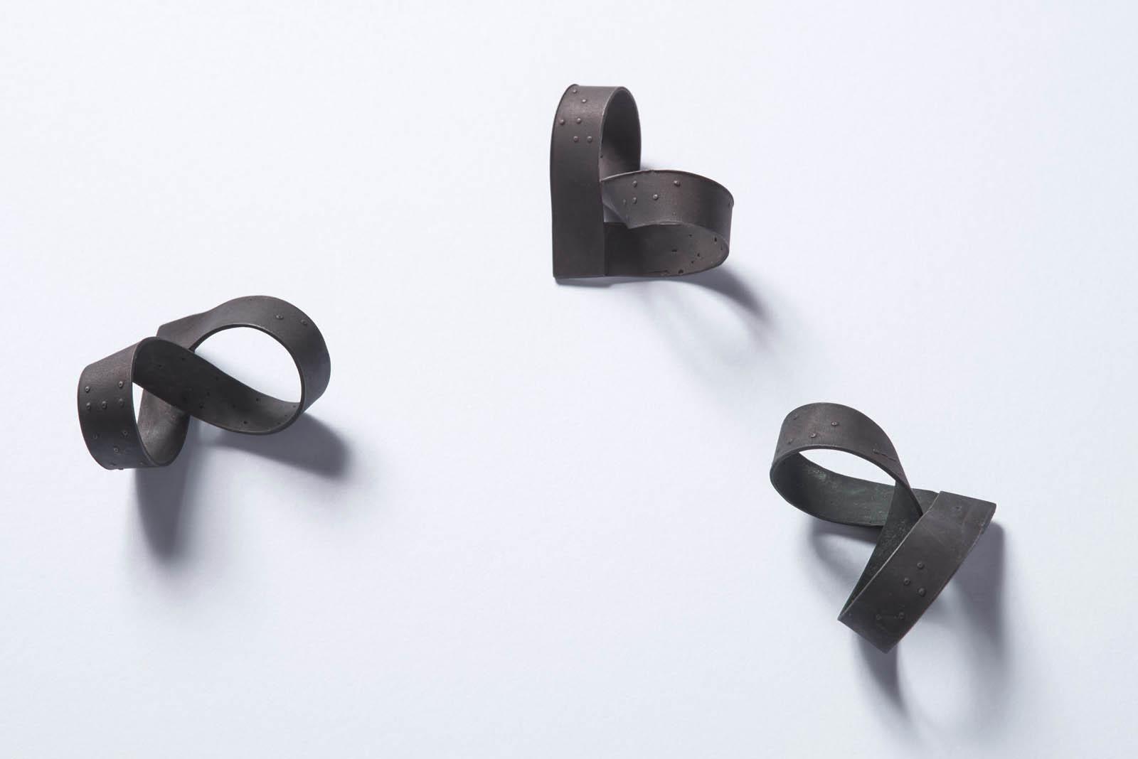 LOVE MAKES BLIND